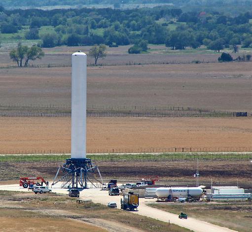 Samonośne odzyskiwalne stopnie rakiet grsshooper