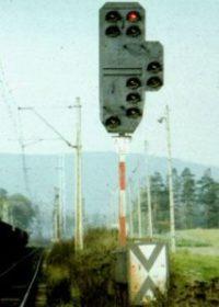 Semafor na kolei