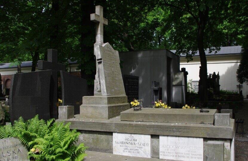 Symboliczny grób Marii na Starych Powązkach w Warszawie