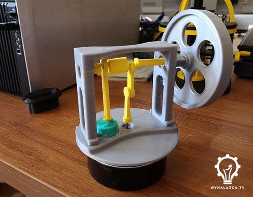 Finalny model prototypu silnika Stirlinga zaraz po montażu